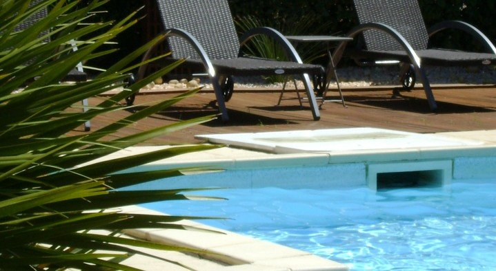 Relax by the POOL  Domaine A L'aise Avenue de Plaissan- Lieudit st Marcel Saint-Pargoire
