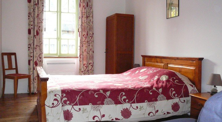 Tweepersoons bed 160 x 200  Bed & Breakfast Le Creuset Route du Chastang Saint-Martin-la-Méanne