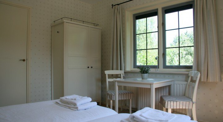 One of our standard rooms with delightful beds!  Bed & Breakfast 'Pax Tibi' Middelburgseweg 11 Reeuwijk