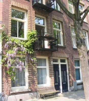 View of the house  Bedandbreakfast-amsterdam Bosboom Toussaintstraat 46hs Amsterdam