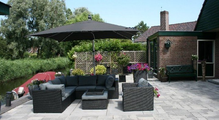 garden and lounge area  Bed & Breakfast Amsterdam-Landsmeer Noorderbreek 58 Landsmeer